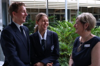 Victoria Point State High School logo